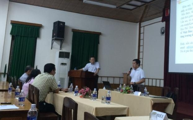 Anh Lê Hải Triều, Giám đốc Công ty TNHH MTV Phần Mềm Dữ Liệu Mê Kông, Thành viên HĐQT Công ty Cổ Phần Deltasoft đang trao đổi với Đại biểu các Trường